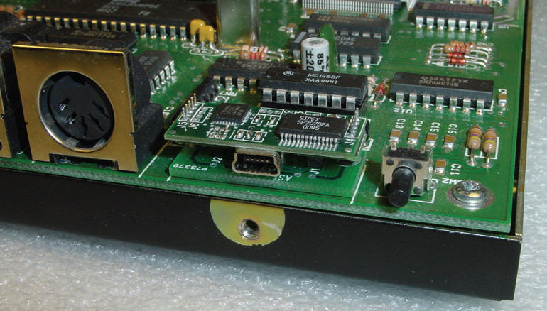 U232 Converts RS-232 to USB