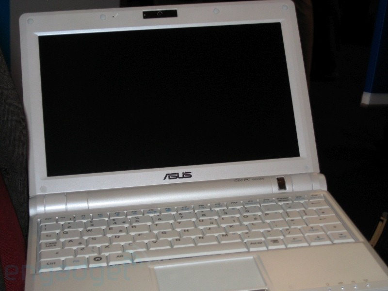 New Asus Eee PC with 9 inch display