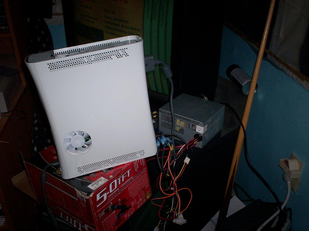 Xbox 360 powered by an ATX power supply