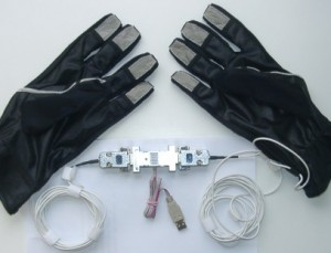 Data gloves with miniaturized USB controlling device