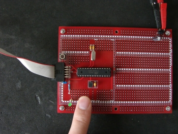 atmega8 demo finger touch with pull-up