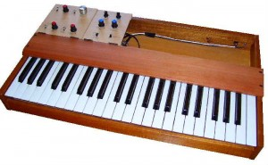 Analog Synthesizer using PIC